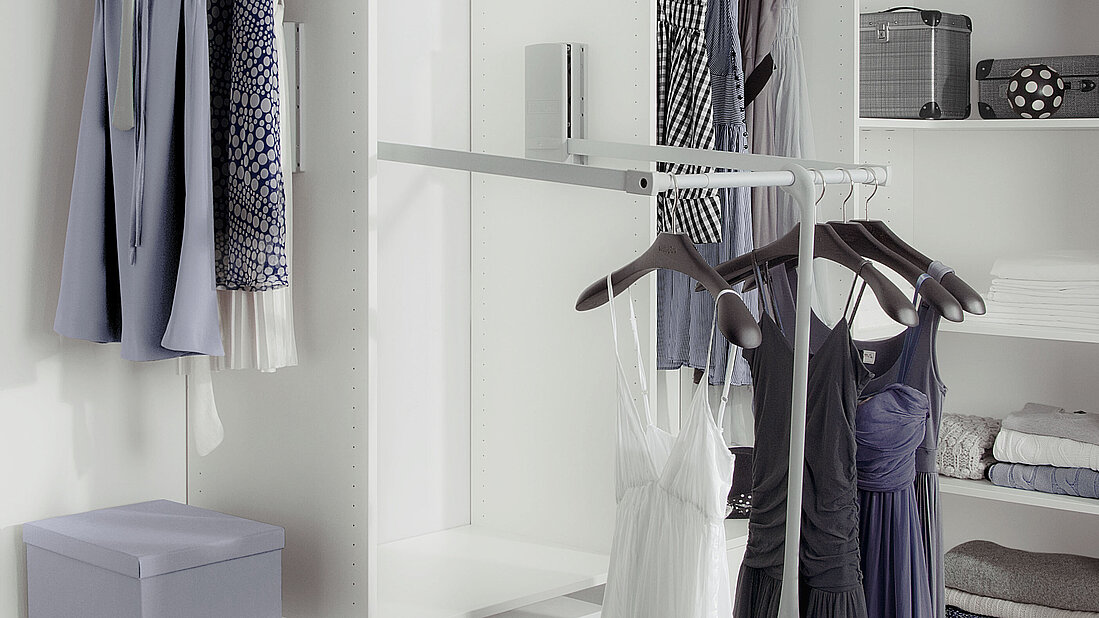 pull-down clothes lift, hanging up, clothing, storage space